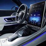 Mercedes'in araçlarında hareketli ekran dönemi