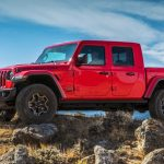 Jeep Gladiator'e yarım kapı yükseltme seçeneği geliyor